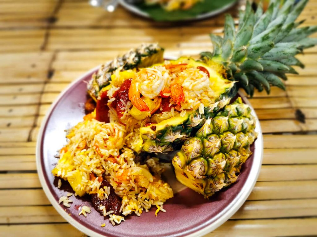 Baked rice with pineapple